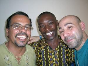Un americano (Eduardo), un africano (Jacinto) y un europeo (servidor)..